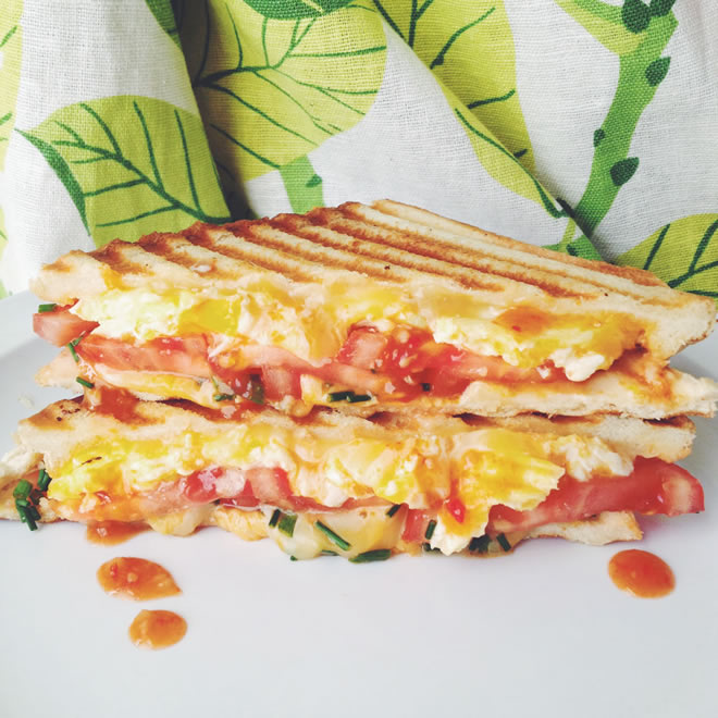 scrambled-egg-tomato-grilled-cheese-social